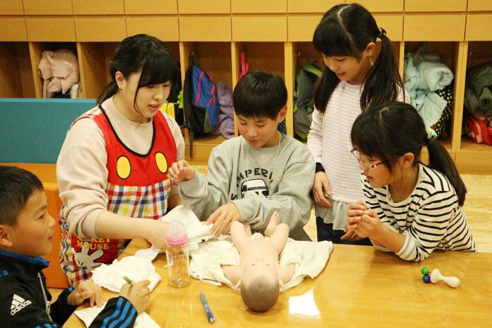「ジュニア夢カレッジ3」で児童学部生大活躍!