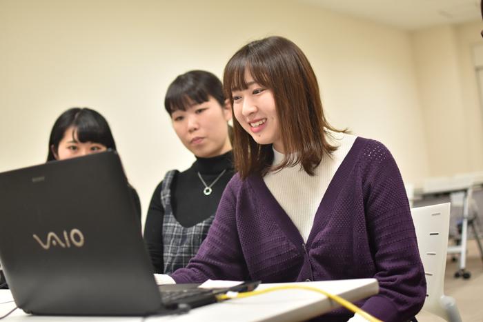 一ノ瀬ゼミ ハワイ在住の卒業生とスカイプで英語学習