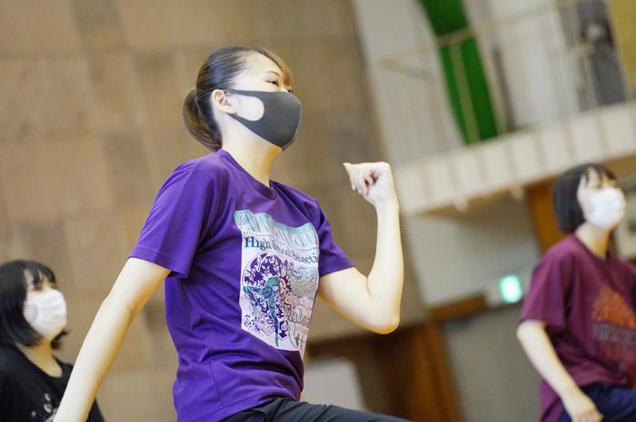 楽しく体を動かそう!「エアロビックダンス」の授業