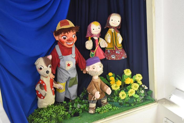 児童文化コース プーク人形劇場で観劇