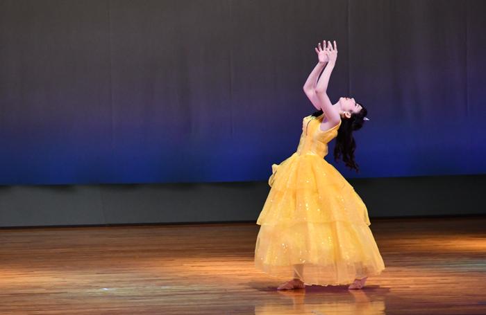 創作ダンス「美女と野獣」 夏期保育大学で卒業生が再演決定!①