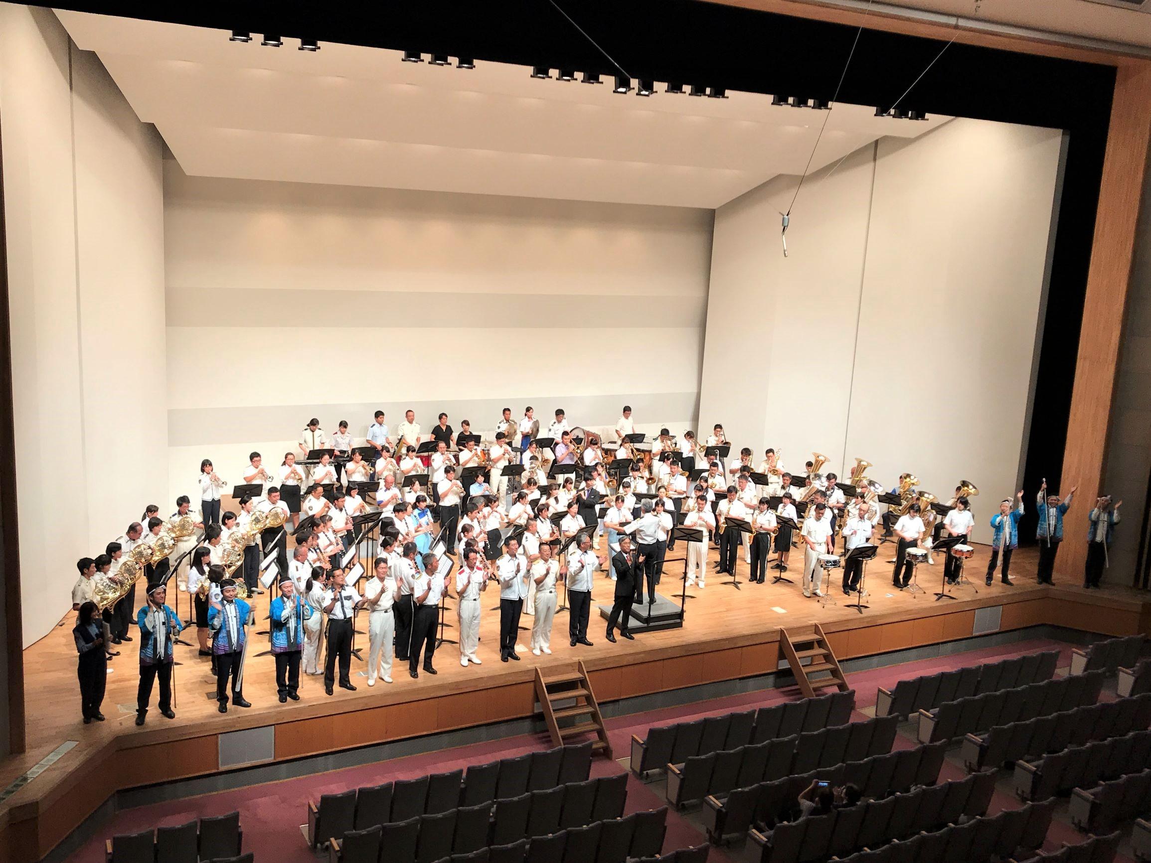 学生も加わって「2018警察音楽隊研修会 吹奏楽コンサート」が開催されました!