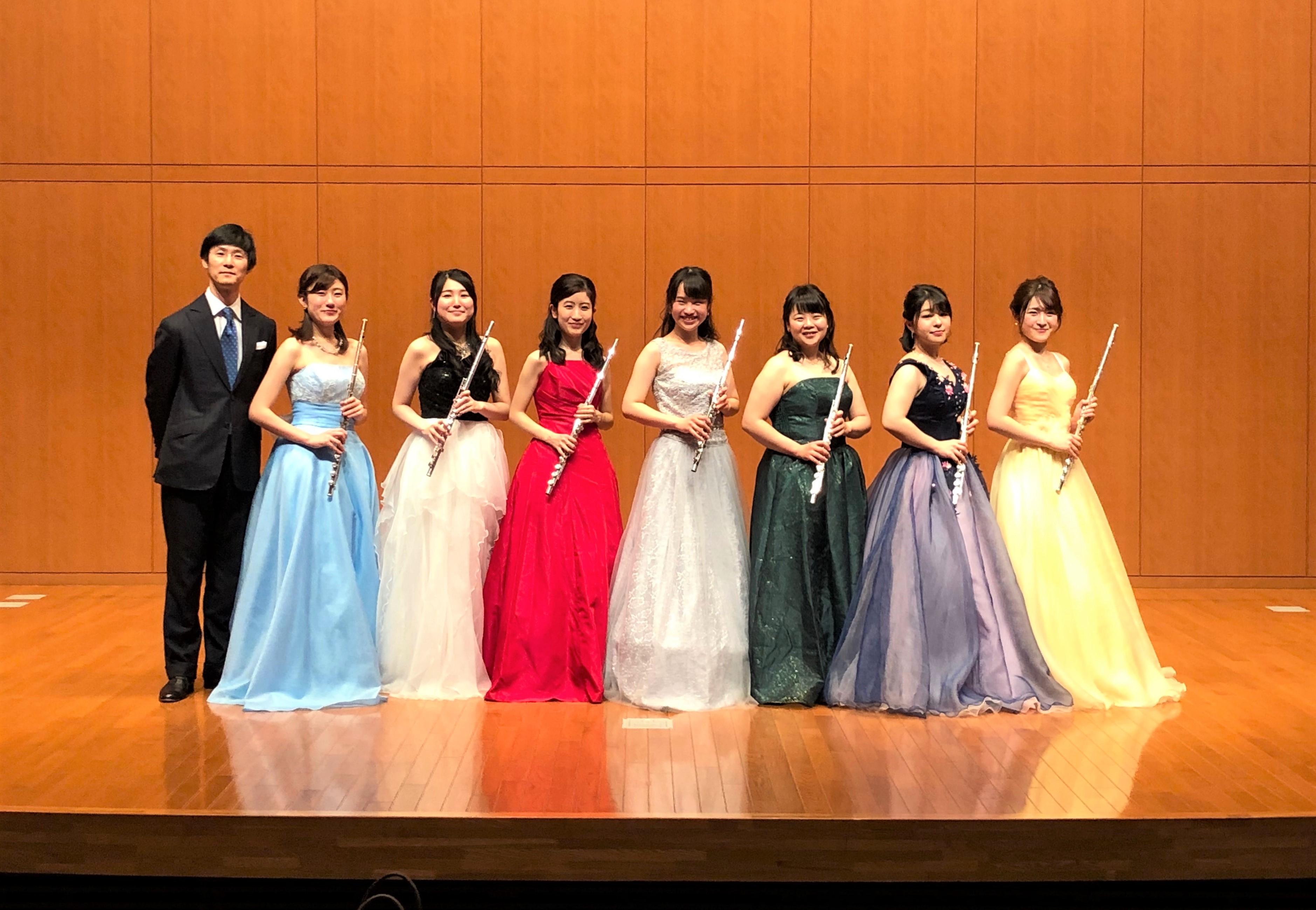 フルート専攻生がコンサートを開催しました