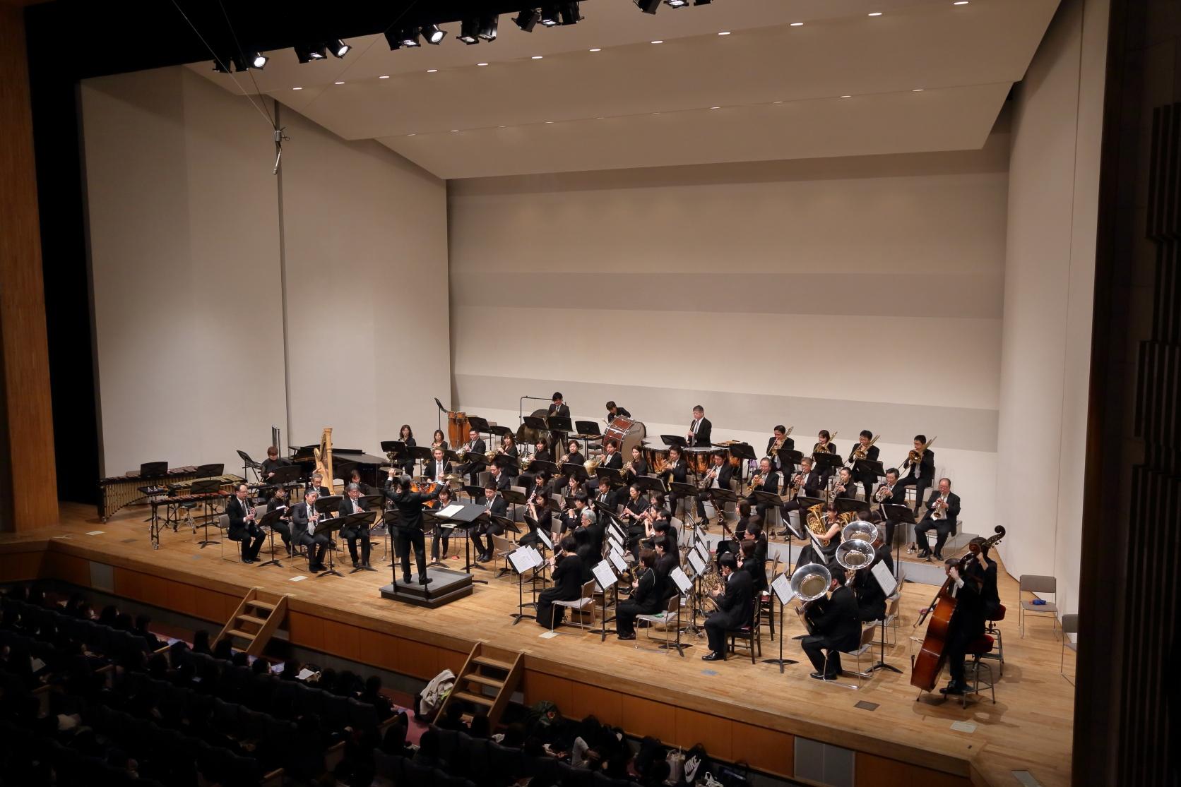 長い伝統を誇る「吹奏楽の夕べ」が開催されました
