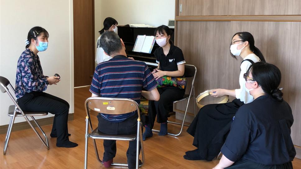 授業紹介「音楽療法実習」~臨機応変に対応する心構えや技能を磨く~