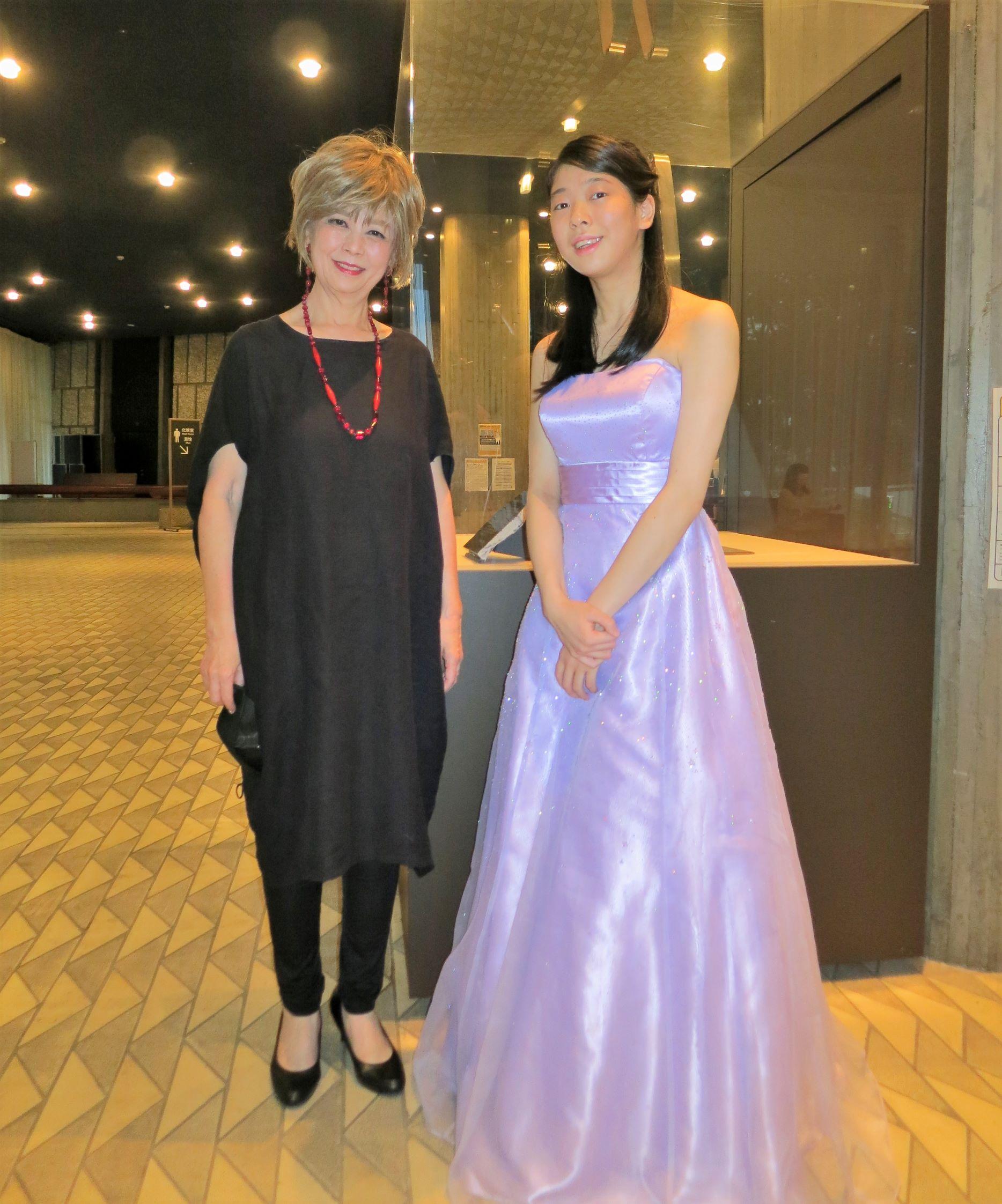 ピアノの「新人演奏会」で卒業生代表が演奏家デビューしました