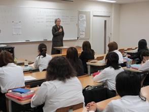 平成28年度看護学臨地実習全体オリエンテーション(1年生)が実施される