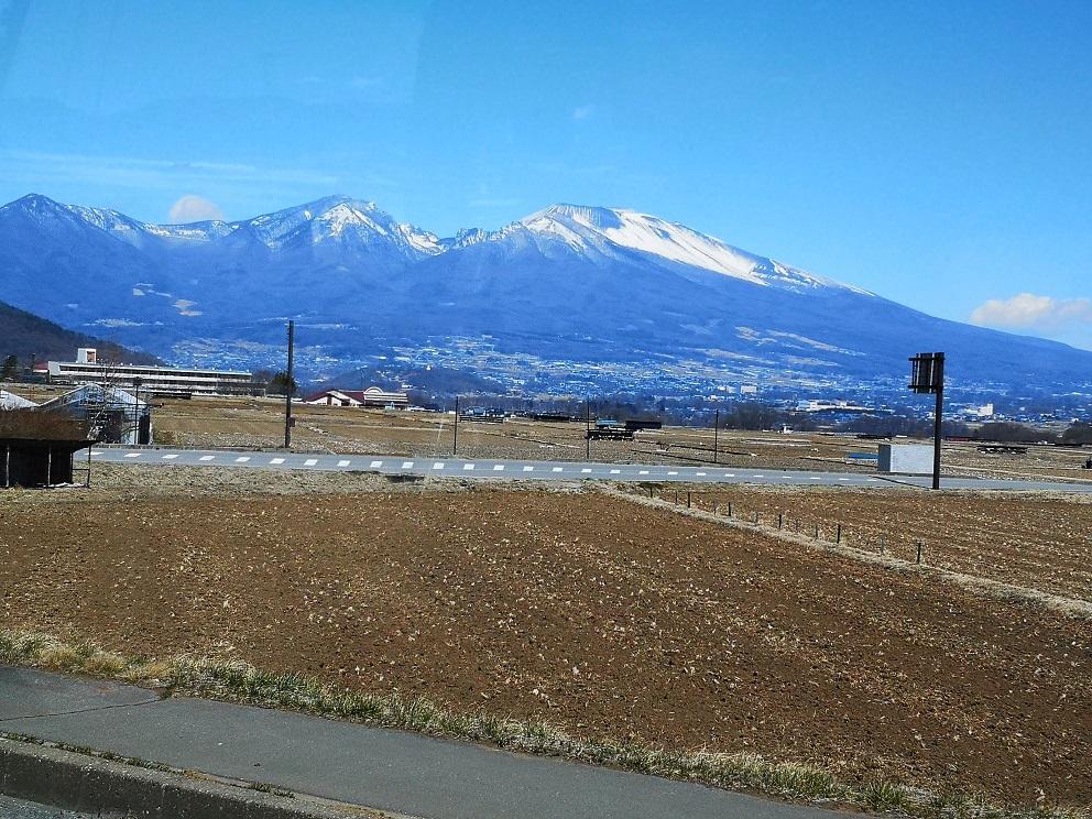 6回生 学外研修1日目 ~バスの風景は雪山!~